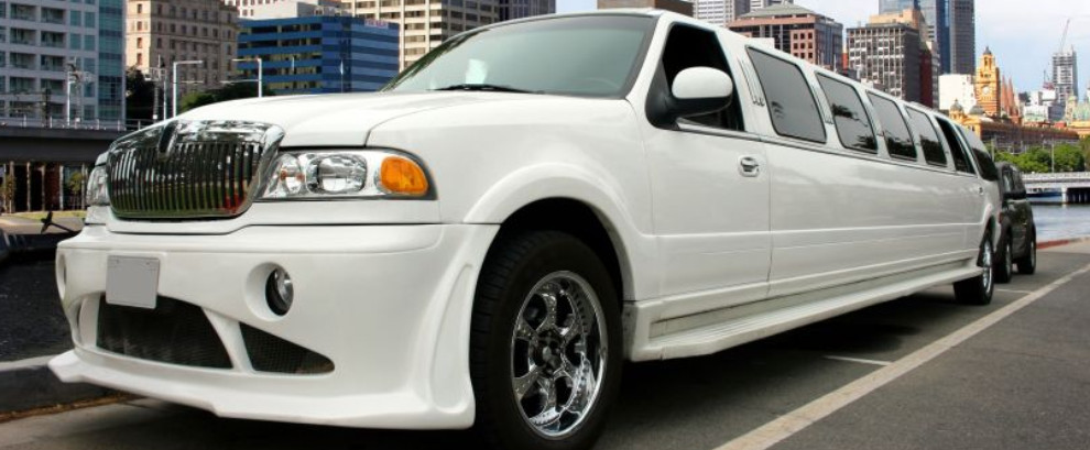 White Stretch Limo - Denver Limo - All Pro Limousine Denver